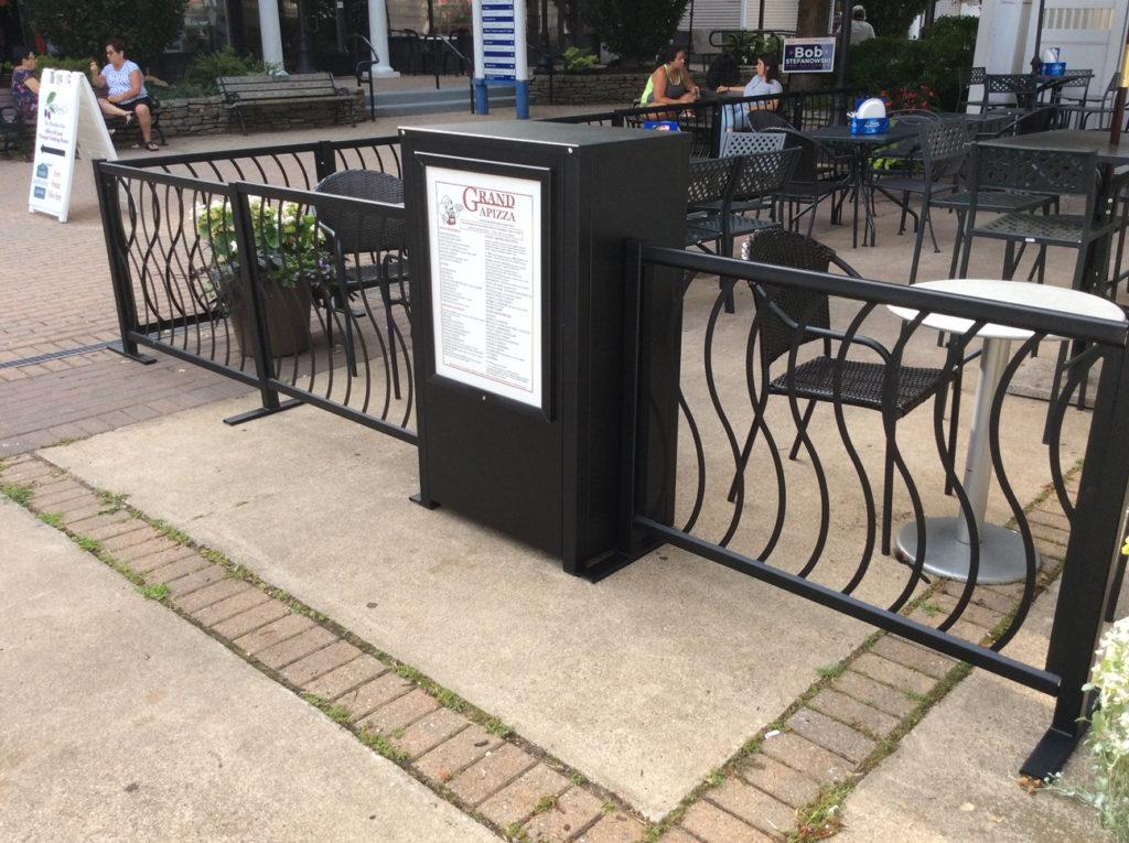 Restaurant Fencing Waitress Stand